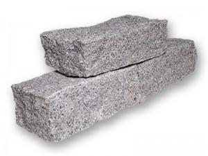 Granit-Mauersteine von der Firma Stolz