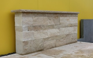 Mauersteine Kalkstein JURA, gesägte Fugen