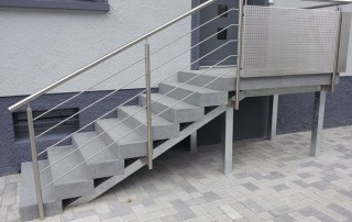 Blockstufen Granit Grau + Edelstahl