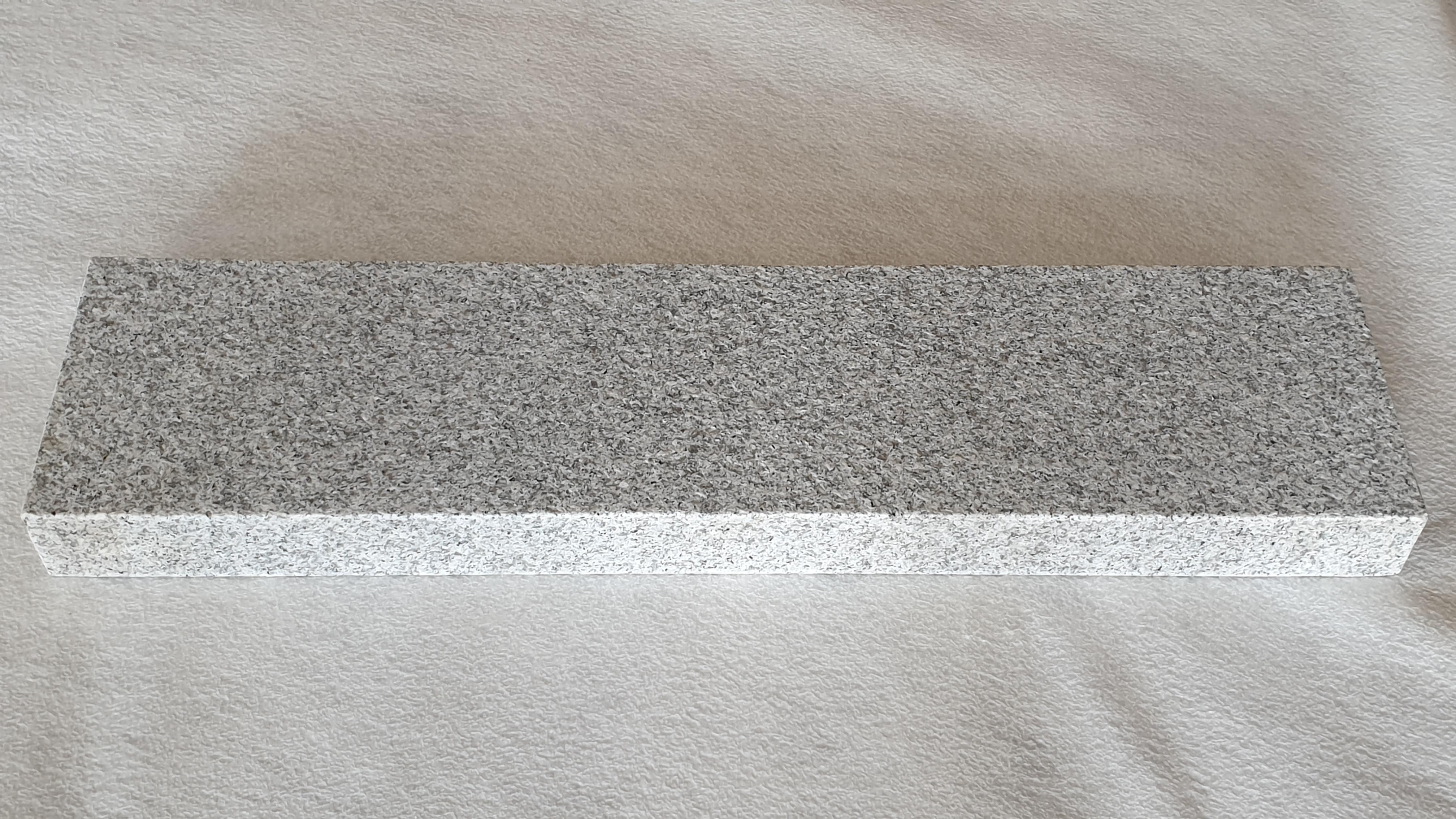 Bordstein Granit Grau geflammt und gebürstet günstig kaufen
