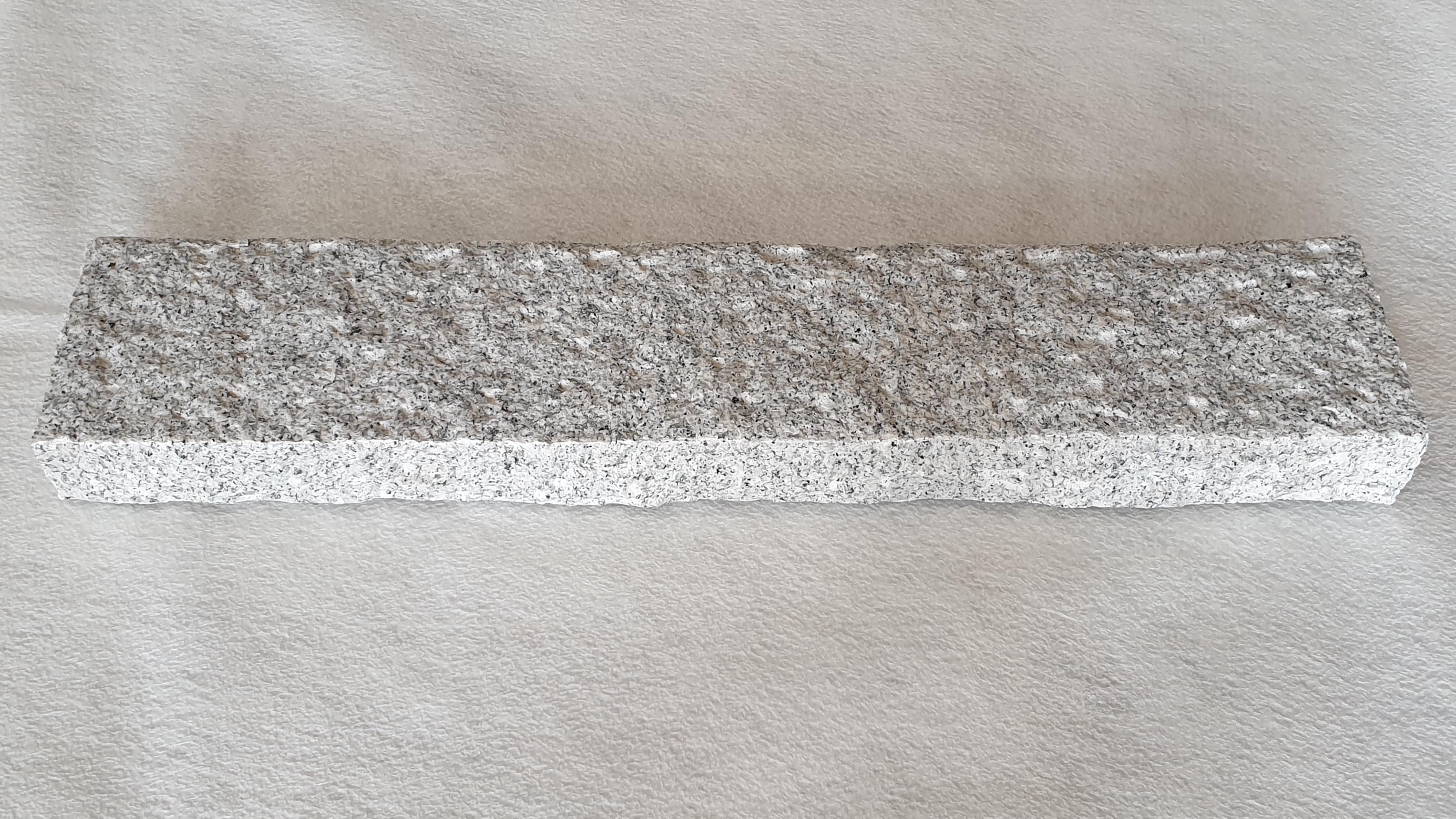 Bordstein Granit Grau gespitzt günstig kaufen